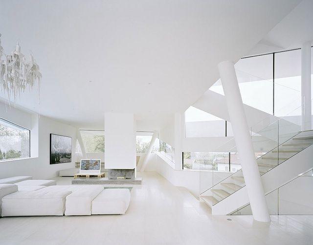 phòng khách màu trắng độc đáo