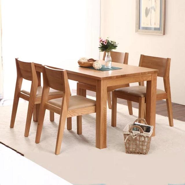 Bàn ăn chung cư bằng gỗ sồi