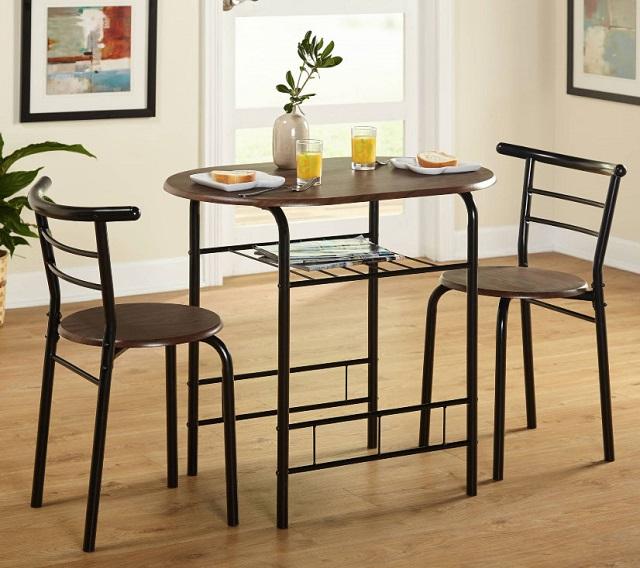 Bàn ăn chung cư 2 ghế nhỏ gọn, đơn giản