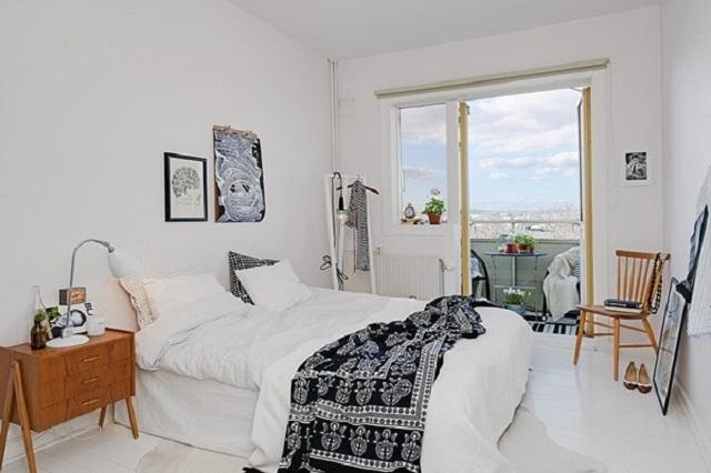 Phòng ngủ với thiết kế ban công tạo cảm giác thư giãn, mới mẻ khi ở đây