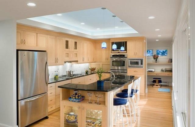 Trần thạch cao dạng nổi giúp phòng bếp có điểm nhấn, nổi bật hơn