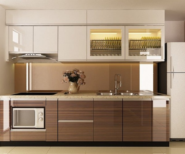 Tủ bếp hình chữ I với đường vân gỗ nâu sang trọng