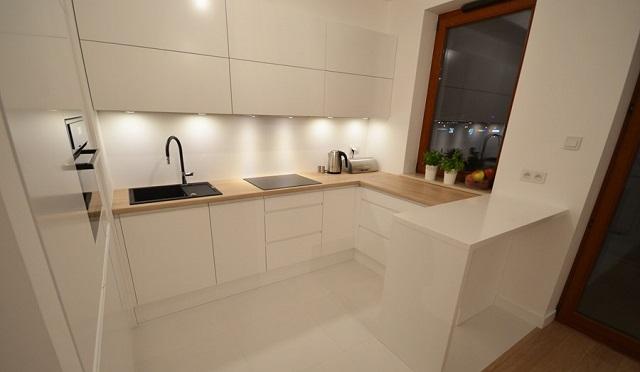 Nếu căn hộ có diện tích bé thì bạn nên tham khảo mẫu tủ bếp này