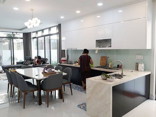 Tủ bếp chung cư thường được làm từ những chất liệu nào?