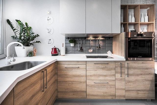 Sử dụng tủ với màu vân gỗ sắc nét tôn lên vẻ cổ kính lẫn hiện đại cho sản phẩm này