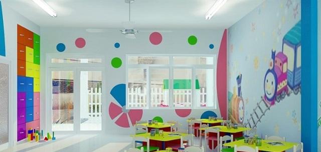 Góc lớp được kê bàn ghế màu sắc phục vụ việc học tập của các bé
