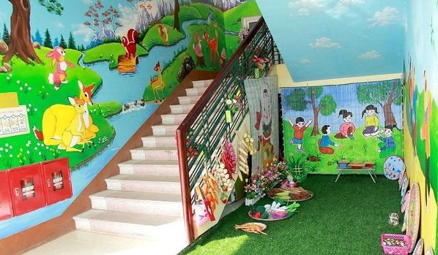 Trang trí các góc và bờ tường cầu thang