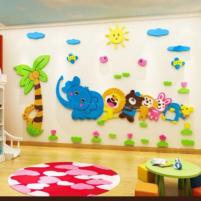 Trang trí tường lớp với hình động vật ngộ nghĩnh