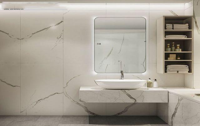 Nhà tắm, nhà vệ sinh được ốp gạch trắng sáng