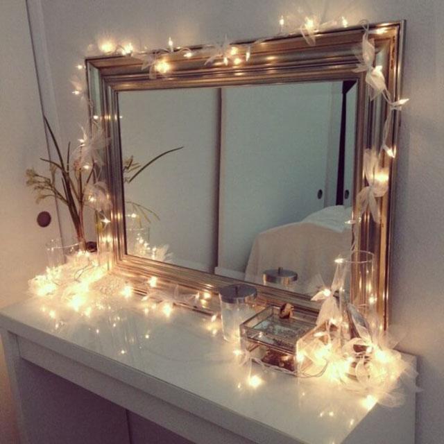 đèn led ở gương trang điểm