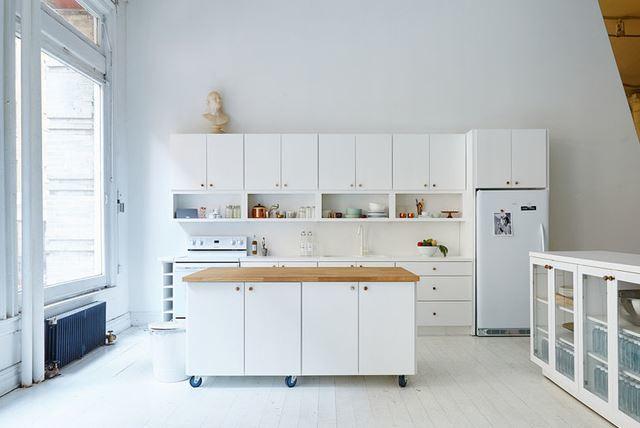 Nhà bếp có đảo bếp 2