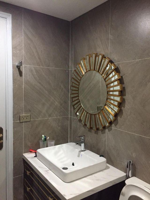 Gương trang trí lắp ở phòng tắm
