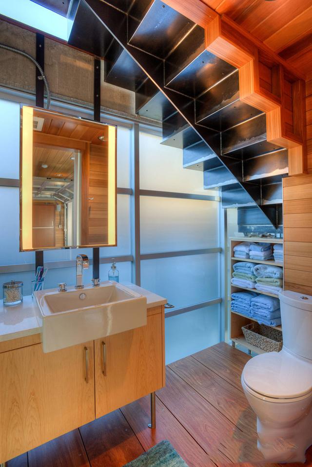 mẫu thiết kế nhà vệ sinh dưới gầm cầu thang 2
