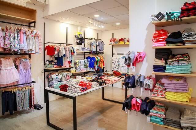 Mẫu thiết kế shop quần áo trẻ em 1