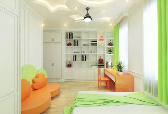 Nổi bật với màu xanh lá và cam cà rốt, phòng ngủ con gái nhỏ có phong cách tươi sáng, nhí nhảnh hơn.